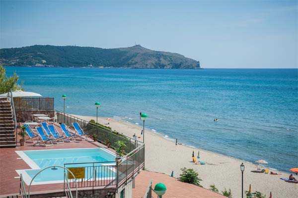 Residence marina camerota bed and breakfast - Hotel sul mare con piscina ...